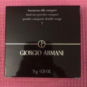 New, Giorgio Armani luminous silk compact